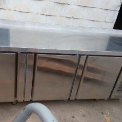 bajo mostrador de congelacion 3 puertas