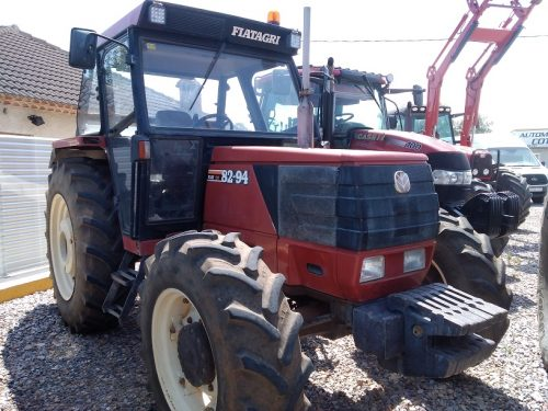 TRACTOR FIAT 82-84 DT (1)