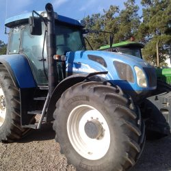 TRACTOR NEW HOLLAND TVT 190 (1)